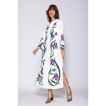 Linen caftan with embroidered applications