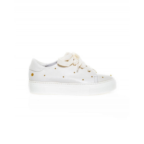 Sneakers Jacques Loup ivory with golden nails for women