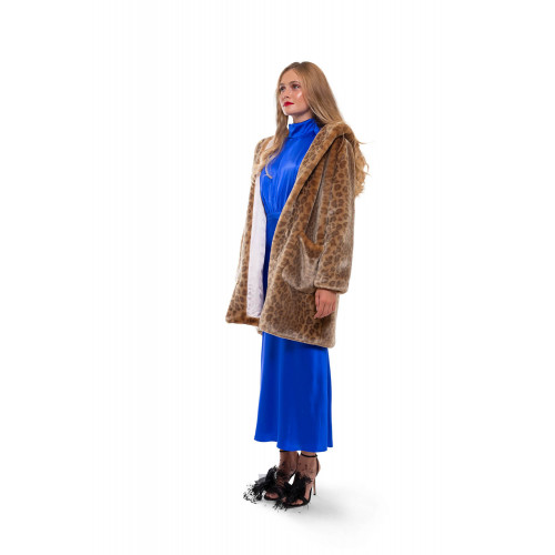 Fake fur coat with leopard print