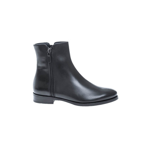 Leather boots with zipper 20