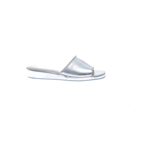 Open-toe metallic leather indoor mules 20