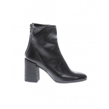 Patina leather boots with round toe and zipper at the back 60